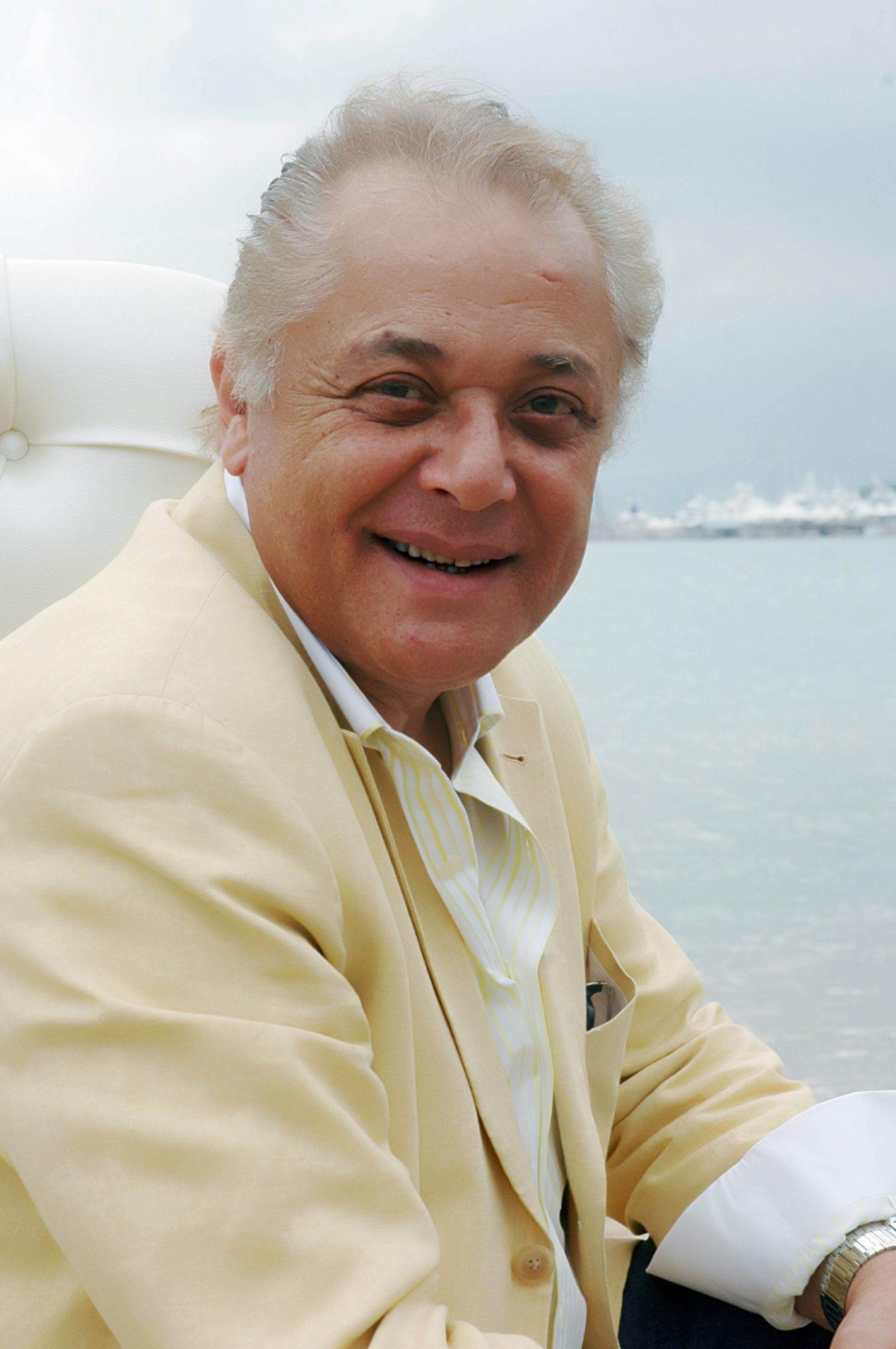 الممثل-المصري-محمود-عبدالعزيز