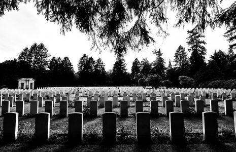 تفسير-حلم-من-راى-الموت-و-الميت-رؤية-كفن-و-جنازة-تشييع-ميت-465x309