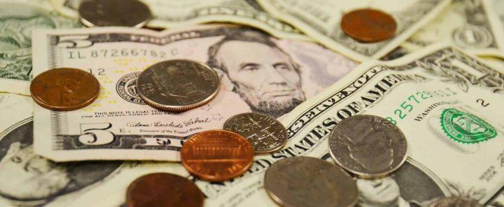 تفسير رؤية الميت يعطي نقود في المنام